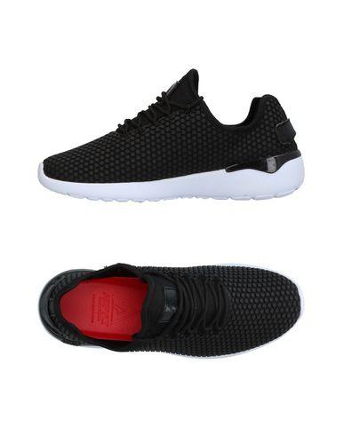 Фото - Низкие кеды и кроссовки от ASFVLT черного цвета