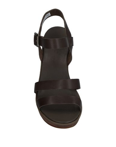 Фото 2 - Женские сандали  цвет стальной серый