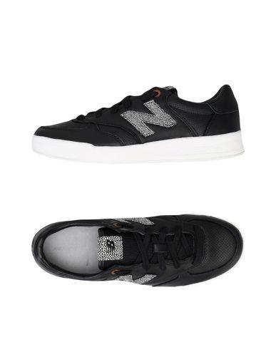 Imagen principal de producto de NEW BALANCE 300 GREY PACK - CALZADO - Sneakers & Deportivas - New Balance