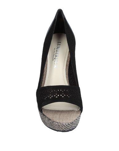 Фото 2 - Женские туфли LUMBERJACK черного цвета