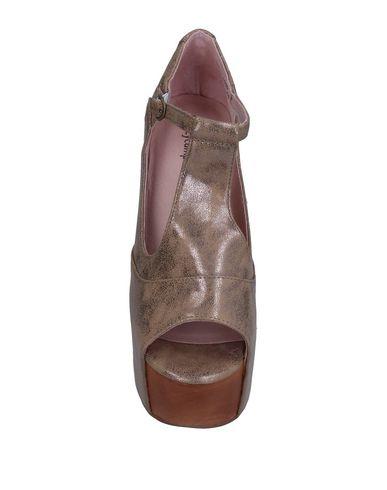 Фото 2 - Женские сандали JEFFREY CAMPBELL цвет голубиный серый
