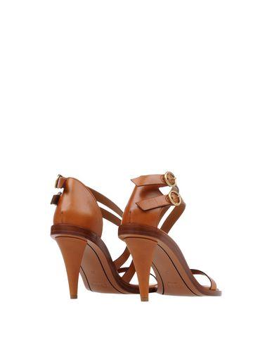 Фото 2 - Женские сандали CHLOÉ коричневого цвета