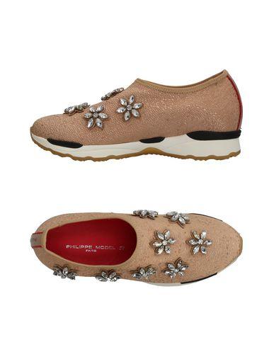 Купить Низкие кеды и кроссовки от PHILIPPE MODEL бежевого цвета