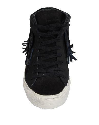 Фото 2 - Высокие кеды и кроссовки от PHILIPPE MODEL черного цвета