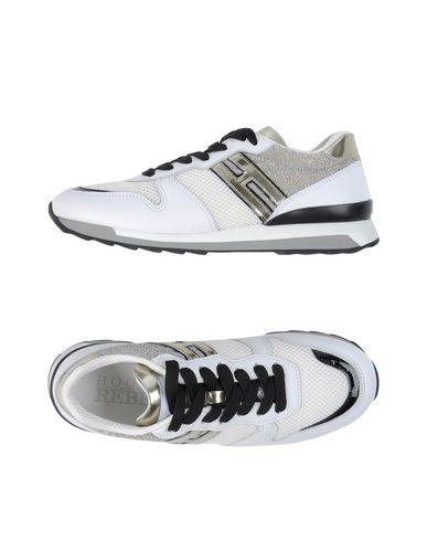 Фото - Низкие кеды и кроссовки от HOGAN REBEL белого цвета