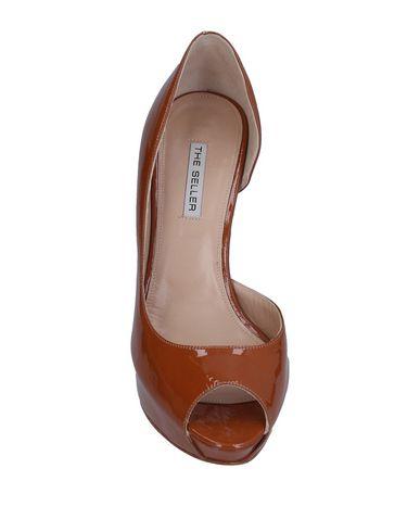 Фото 2 - Женские туфли  коричневого цвета
