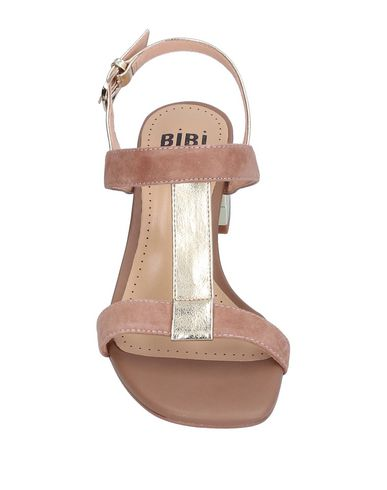 Фото 2 - Женские сандали BIBI LOU бежевого цвета