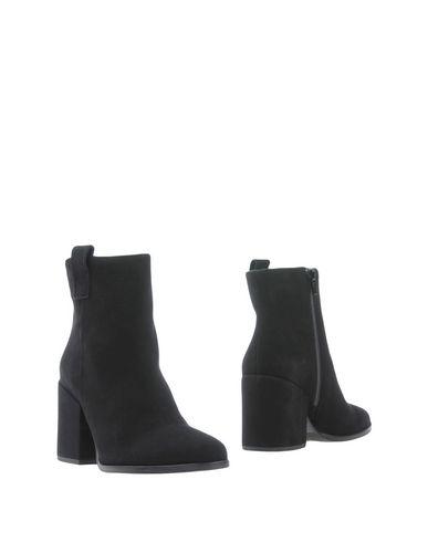 Фото - Полусапоги и высокие ботинки от GAIA BARDELLI черного цвета