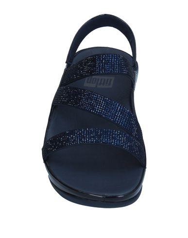 Фото 2 - Женские сандали FITFLOP темно-синего цвета
