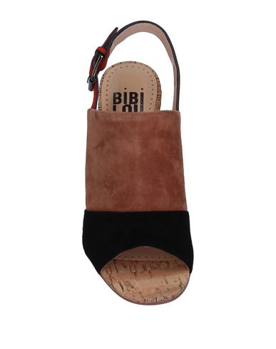 Фото 2 - Женские сандали BIBI LOU коричневого цвета