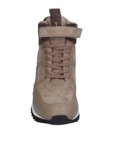 Фото 2 - Высокие кеды и кроссовки от CESARE PACIOTTI 4US бежевого цвета