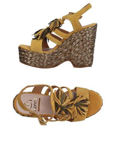 Купить Женские сандали  цвет охра