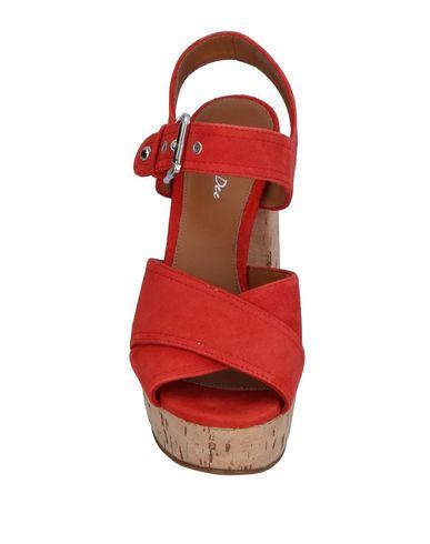 Фото 2 - Женские сандали J|D JULIE DEE красного цвета
