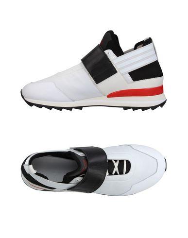 Фото - Низкие кеды и кроссовки от Y-3 белого цвета