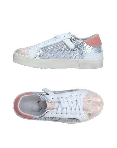 Купить Низкие кеды и кроссовки от D.A.T.E. KIDS светло-розового цвета