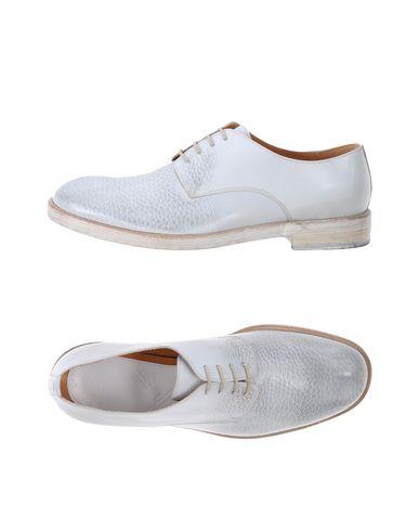 Купить Обувь на шнурках светло-серого цвета