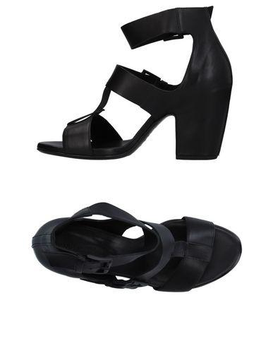 Купить Женские сандали VIC MATIĒ черного цвета
