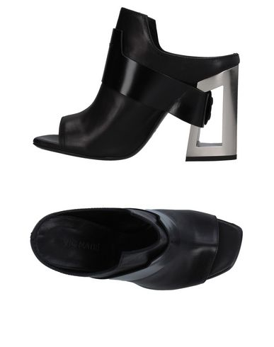 Фото - Женские сандали VIC MATIĒ черного цвета
