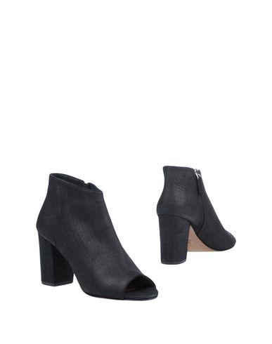 Полусапоги и высокие ботинки от J|D JULIE DEE