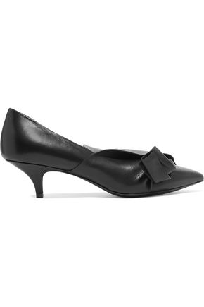 N° 21 Knotted leather pumps
