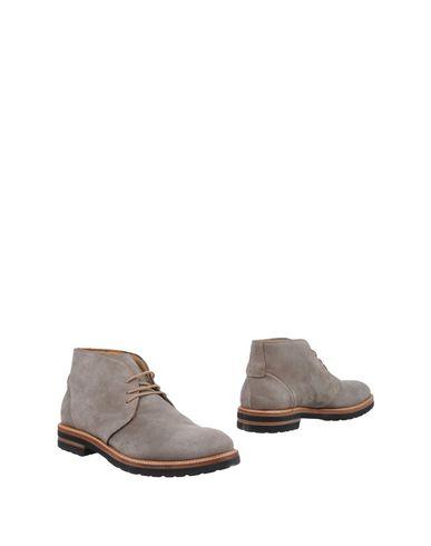 Полусапоги и высокие ботинки от ANTONIO MAURIZI