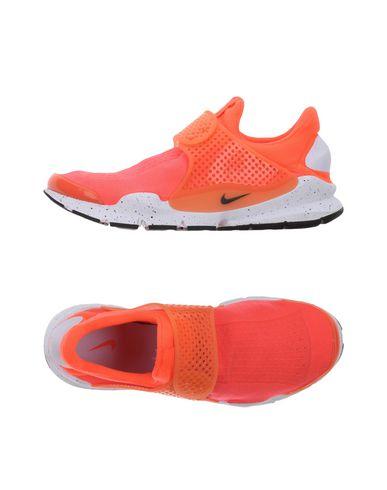 Купить Низкие кеды и кроссовки оранжевого цвета