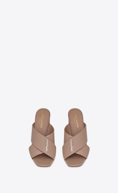 SAINT LAURENT Loulou D LOULOU 95 slipper sandals in beige rosé patent leather b_V4