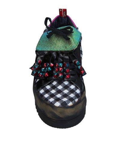 Фото 2 - Низкие кеды и кроссовки от YAB черного цвета