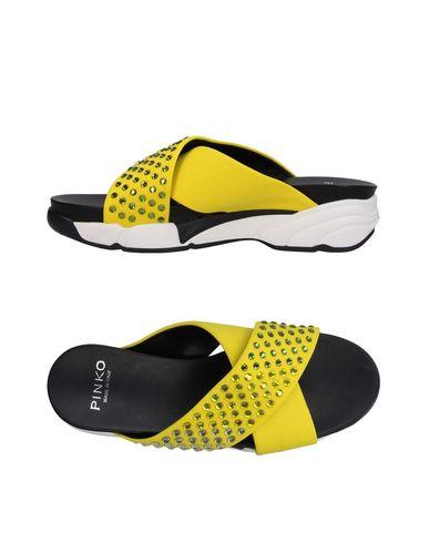 Фото - Женские сандали  желтого цвета