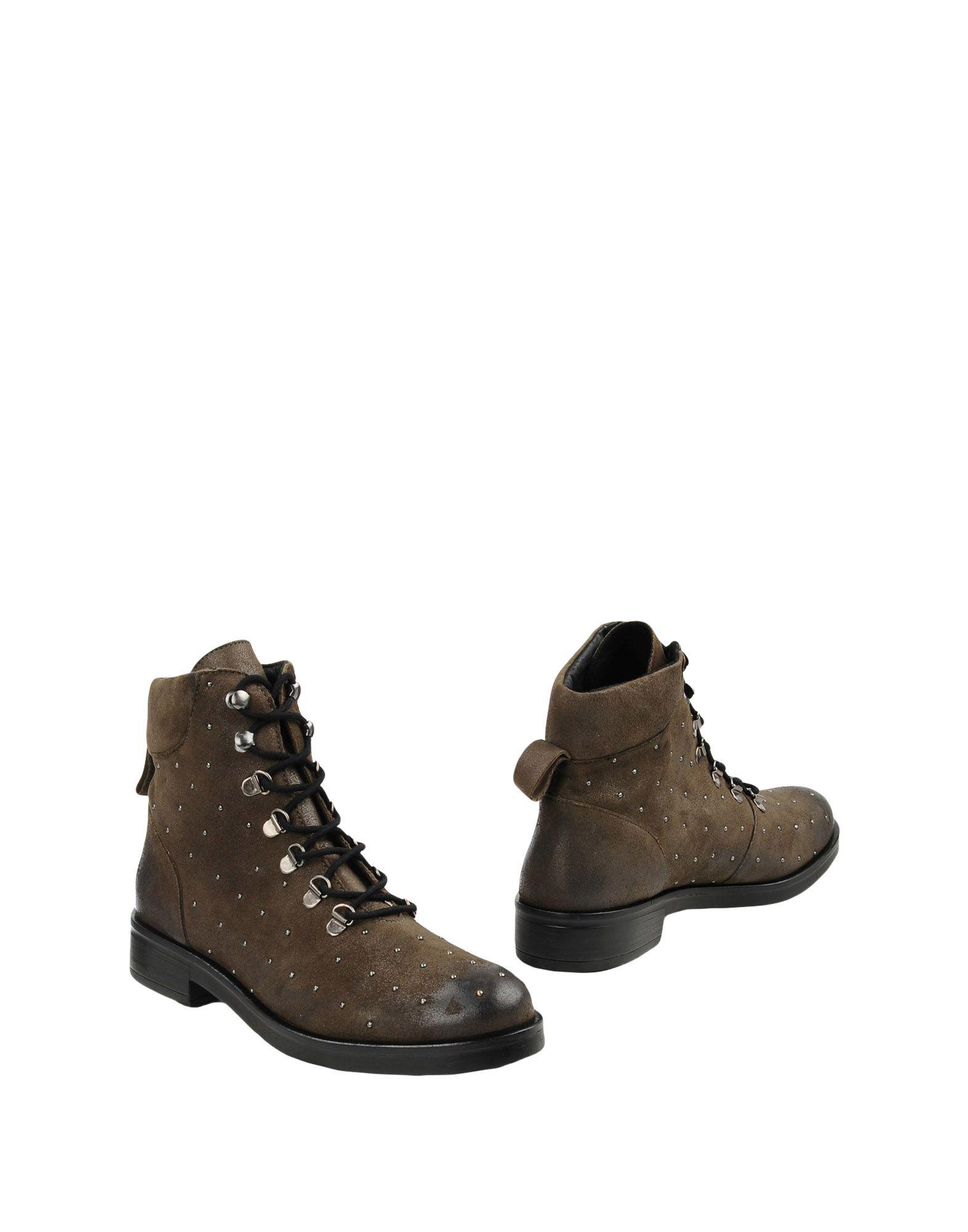 цена GEORGE J. LOVE Полусапоги и высокие ботинки онлайн в 2017 году