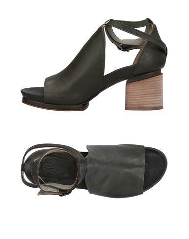 Фото - Женские сандали  темно-зеленого цвета