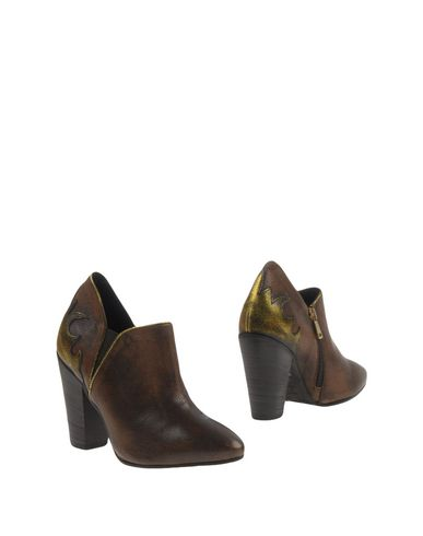 Фото - Женские ботинки и полуботинки  коричневого цвета