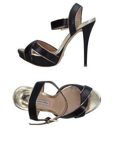 Фото - Женские сандали  черного цвета