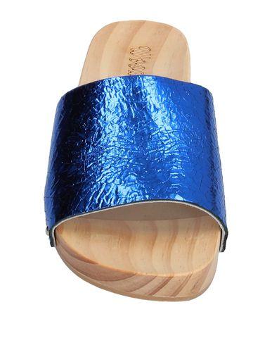 Фото 2 - Мюлес и сабо от WOODCIOCK ярко-синего цвета