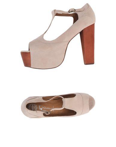 Купить Женские туфли JEFFREY CAMPBELL бежевого цвета
