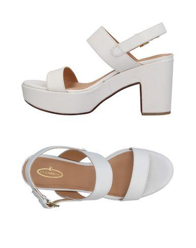 Фото - Женские сандали CUOIERIA белого цвета