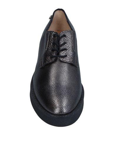Фото 2 - Низкие кеды и кроссовки свинцово-серого цвета