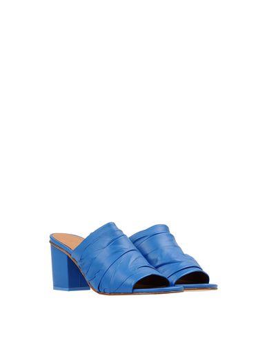 Фото 2 - Женские сандали MIISTA лазурного цвета