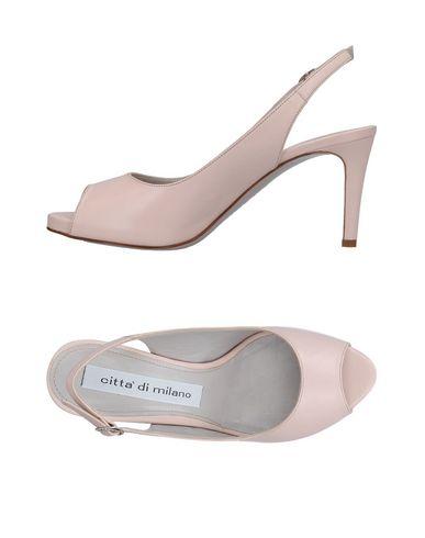 Фото - Женские сандали  светло-розового цвета