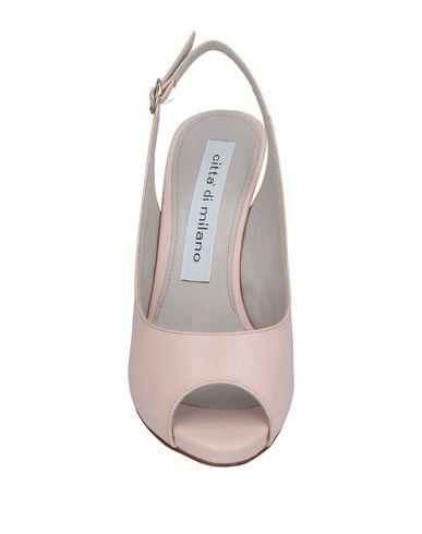 Фото 2 - Женские сандали  светло-розового цвета
