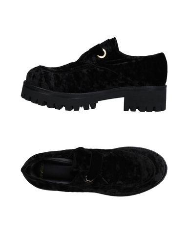 Фото - Обувь на шнурках от TIPE E TACCHI черного цвета