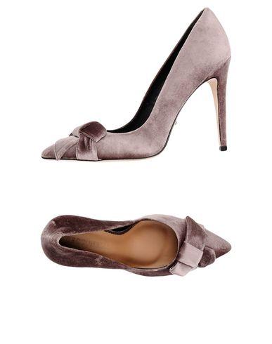Туфли от CECCONELLO