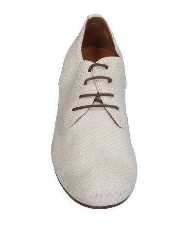 Фото 2 - Обувь на шнурках цвет слоновая кость