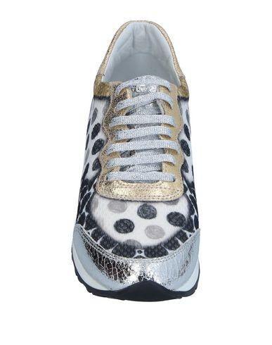 Фото 2 - Низкие кеды и кроссовки от SOISIRE SOIEBLEU цвет стальной серый
