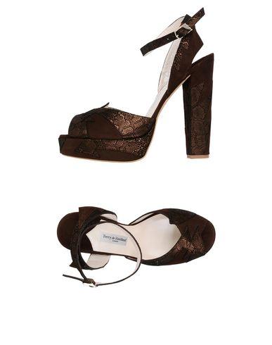Фото - Женские сандали TERRY DE HAVILLAND темно-коричневого цвета
