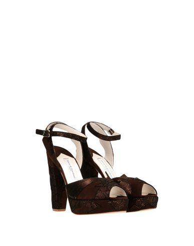 Фото 2 - Женские сандали TERRY DE HAVILLAND темно-коричневого цвета