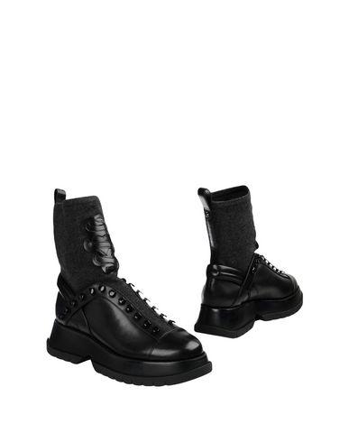 Полусапоги и высокие ботинки от CLONE
