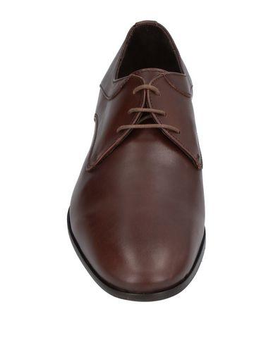 Фото 2 - Обувь на шнурках от EVEET темно-коричневого цвета