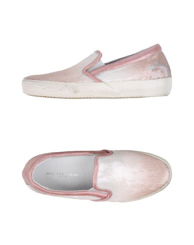 Фото - Низкие кеды и кроссовки от PHILIPPE MODEL розового цвета