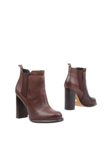 Купить Полусапоги и высокие ботинки цвет какао